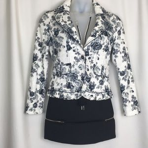 Compagna, Fully lined, Jacket. Fits a 6/8. NWOT.